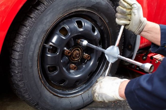 Как поменять колеса на авто